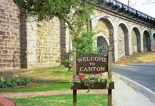 Welcome to Canton sign